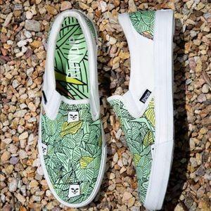 Rip n dip slip on shoes
